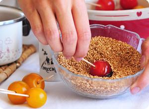 Ptite tomates façon pommes d'amour au sésame