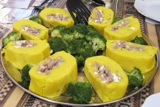 maïs farci au thon, oignons et fromage – treck de Lares, Pérou
