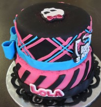 gateau-pate-sucre-monster-high