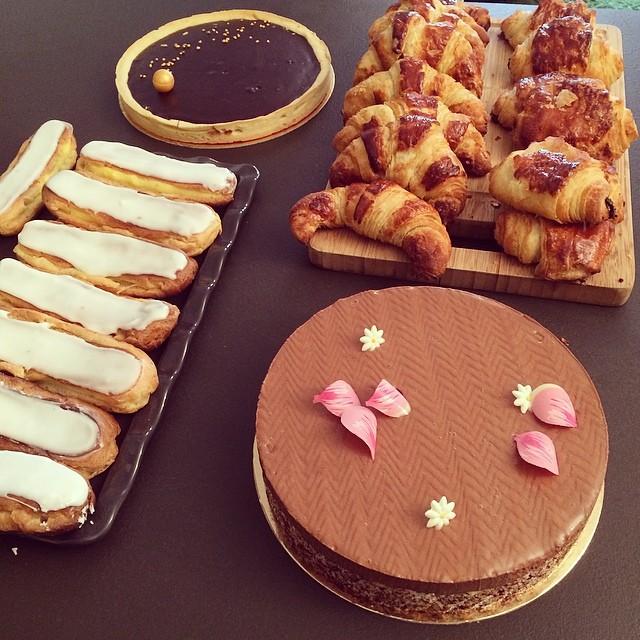 CAP blanc : croissants, royal chocolat, tarte chocolat, éclairs
